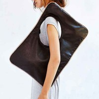 ARTS THREAD X UO Make It Oversized Piped Bag - Black One