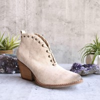coconuts by matisse - women's alabama ankle bootie - ivory