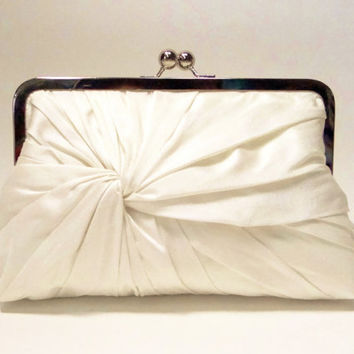 Ivory Bridal Kisslock Clutch - The Love-Knot Clutch in Ivory Dupioni silk, Wedding Purse, Bride's Bag, Bridesmaids Clutch