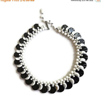 Black & White Molded Glass Beads Necklace Vintage Woven signed Japan