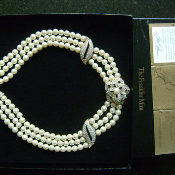 The Franklin Mint A Passion for Pearls Sparkling Pearlescent by Joan Collins 3-Strand Pearl Brilliance Crystals Flower Necklace Original BOX