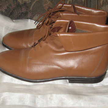 vintage  Hunt Club fab lace up  BROWN LEATHER Ankle Boots....size 5m women