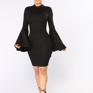 Carys Bell Sleeve Dress - Black