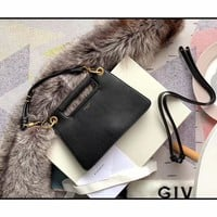 Kuyou Givenchy Paris Fashion Women Men Gb39616 Whip Bag With Contrasting Details 25x18x5cm