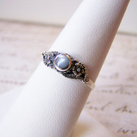 Dainty Vintage Sterling Silver Mother of Pearl Ring Size 7 / Gift for Her.