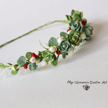 Wedding succulent headband Bridal head wreath with succulents and berries Boho Rustic untailored floral crown Wedding floral tiara