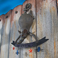 Park Avenue Collection Hanging Rat Welcome Sign