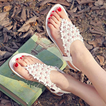New Summer Leather Flat Women Sandals Flip Flops Shoes Flower String Bead Bohemia Lady Beach Shoes Single Flat Slippers AK4