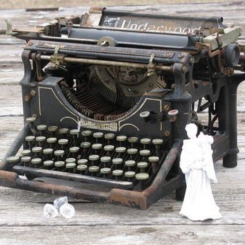 Vintage Underwood Typewriter by whippoorwheel on Etsy