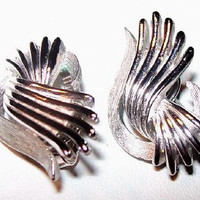 "Crown Trifari Swirl Earrings Silver Metal Clip On's Signed Classic Traditional 1 1/4"" Vintage"