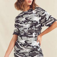 Vintage Camo Tee | Urban Outfitters