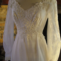 Wedding dress 1970s vintage empire waistline fairy dress Victorian flavor
