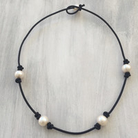 Knotted freshwater pearl necklace,freshwater pearl necklace,leather on pearls,pearl necklace