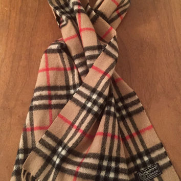 Classic Burberry of London Scarf Novahcheck pattern, Cashmere, Made in England, Plaid, Unisex,