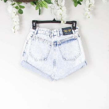 Vintage 26/27 Acid Wash High Waisted Shorts