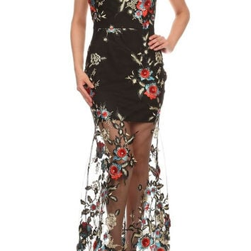 D5699-7722 Embroidered mesh strapless relaxed fit a-line maxi dress with sweetheart neck