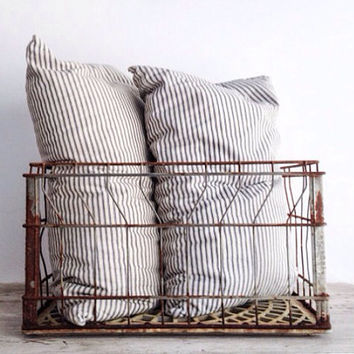 Rectangular Vintage Metal Milk Crate, Rustic Wire Basket, Industrial Decor, Storage, Rusty