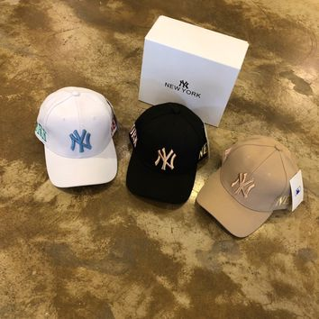 """New York Yankees"" Unisex Casual Fashion All-match Letter Embroidery Baseball Cap Flat Cap Sun Hat"