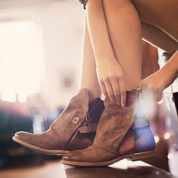 Womens Krist Ankle Boot