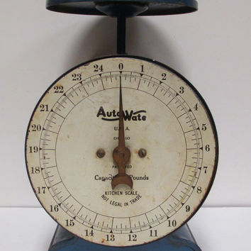 Vintage Auto Wate Kitchen Scale  25 pound  Royal Blue  Chicago  Rare