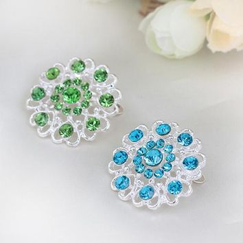 Bluelans Hot Selling Rhinestone Crystal Brooch Hollow Out Collar Pin Silver Plated Flower Jewelry Gift For Women Grils