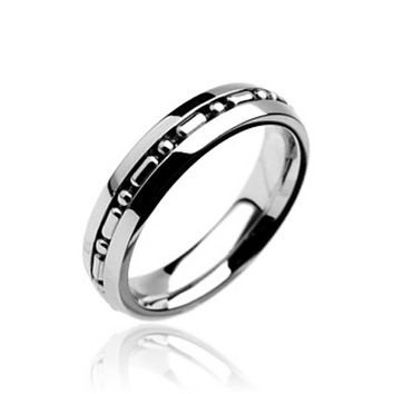 Small Chain Centered Band 316L Stainless Steel Ring