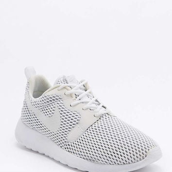 Nike Roshe One Hyper Breathe White Trainers - Urban Outfitters