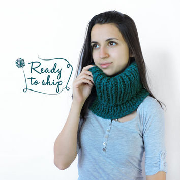 FREE SHIPPING Cozy scarf Chunky knit cowl Neck warmer Chunky knit cowl Wool Petrol blue Infinity cowl Knit neck warmer Tube cowl snood