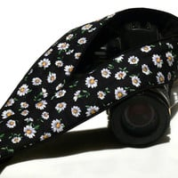 DSLR Camera Strap. Daisies Camera Strap. Camera Strap with flowers. Women Accessories