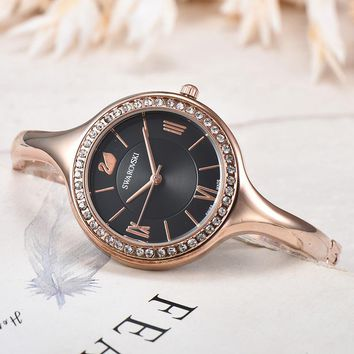 8DESS Swarovski Women Fashion Quartz Movement Wristwatch Watch