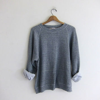 vintage heather gray sweatshirt. washed out thin pullover sweater.
