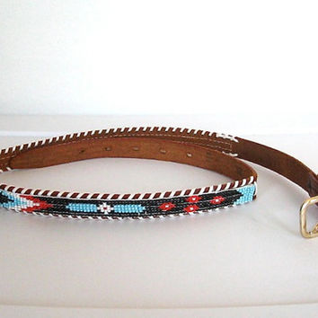 Vintage 1970s Southwestern / Tooled Leather & Beaded Skinny Belt