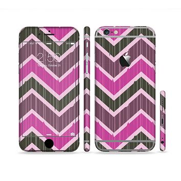 The Scratched Vintage Chevron Surface Sectioned Skin Series for the Apple iPhone 6 Plus