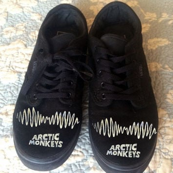 Arctic Monkeys AM logo black Vans