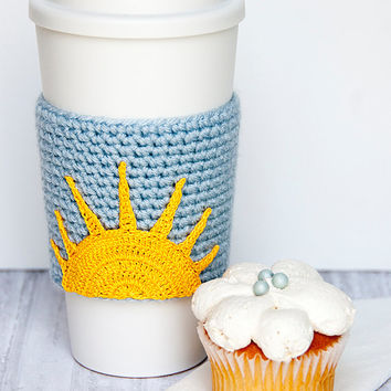 Morning Sun Cozy, cup cozy, coffee cozy, cup sleeve, crochet sun applique, sky blue sleeve, golden yellow sunrise, rise and shine, sunray