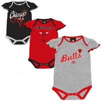 adidas Chicago Bulls Girls Infant Slam Dunk 3-Piece Creeper Set - Black/Ash/Red