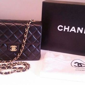ONETOW 1989-91 Vintage CHANEL Black Lambskin Quilted Single Flap Crossbody Bag 24k Gold