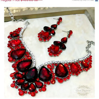 Wedding jewelry set, Red crystal bib necklace earrings, vintage inspired necklace statement, crystal jewelry set, Garnet Red jewelry set