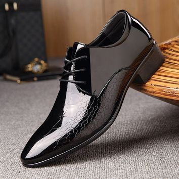 Men Fashion Business Leather Shoes Men Pointed Toe Loafers Luxury oxfords shoes Men Loafers Men Dressing Shoes