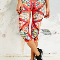 Nike Pro Kaleidoscope Crop Leggings - Urban Outfitters