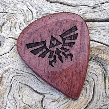 Purpleheart Handmade Premium Wood Guitar Pick -  Laser Engraved Both Sides - Zelda - Tri Force