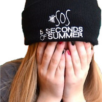 2015  autumn winter New style sos 5 seconds of summer turn brimmed wool  knitted hat 3 color