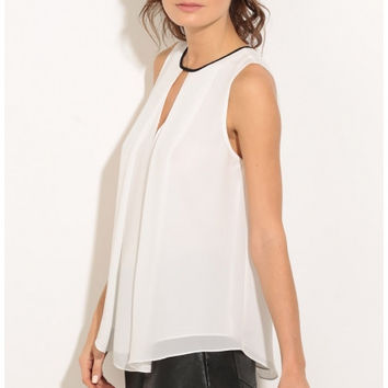2016 Hollow Out Women Chiffon White Shirt Sleeveless Women Blouses Shirts O Neck Feminin Vest Summer Designer Tops PP906C