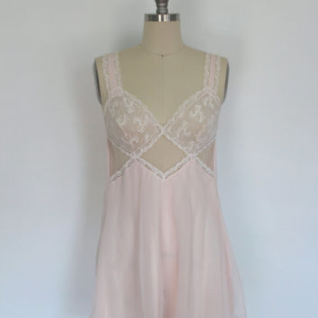 Vintage Nightgown Lingerie / Nightie / Light Pink Sheer Lace / Tres Belle / Size 32 Bust Small S Medium M