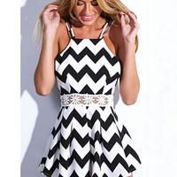 Black and White Wave Print Halter Backless Pleated Romper