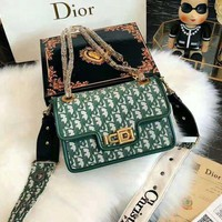 DIOR trend female color matching buckle lock messenger bag chain shoulder bag diagonal female bag