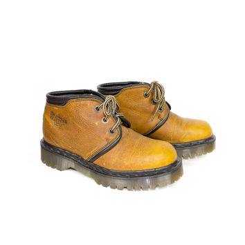DR MARTENS BOOTS - deadstock new - made in england - 3 eye docs - natural leather - doc martens size uk 4 - 37 eur - womens 6 us
