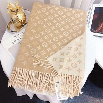 LV Fashionable Women Men Warm Louis Vuitton Tassel Cashmere Cape Scarf Scarves Shawl Accessories