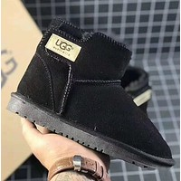 UGG Lovely baby snow boots
