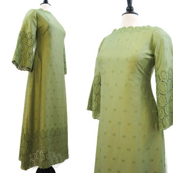 60s 70s Maxi Dress Vintage Green Cotton Eyelet Lace Bell Sleeve Hippie Boho M L